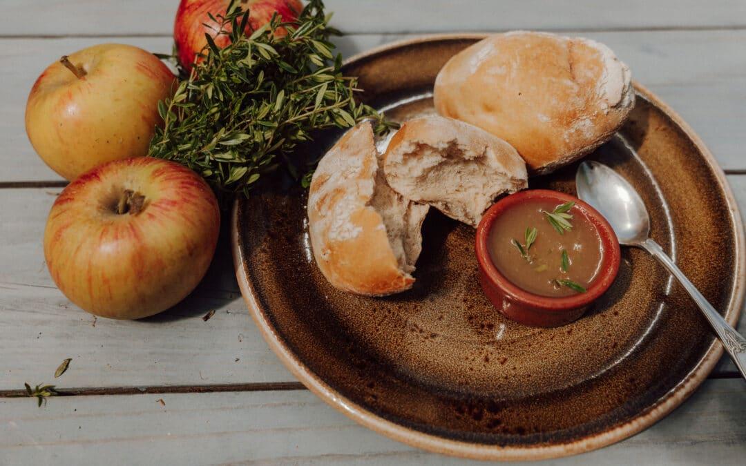 Apfelmarmelade mit Bohnenkraut